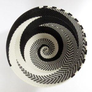 telwire-m-round-black-white-01