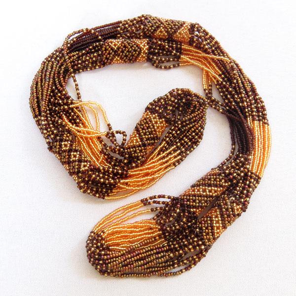 L-necklace-gold-bronze-01