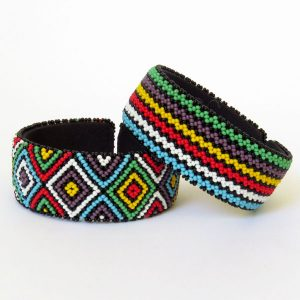 African Zulu beaded large bangle – Multicolour