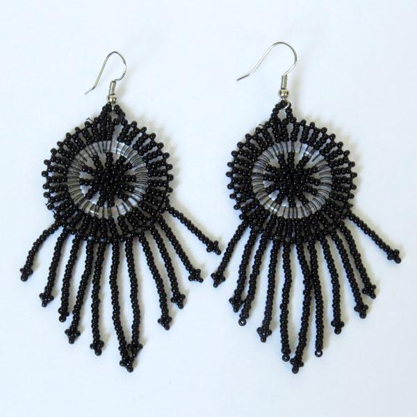 African Zulu beaded earrings - Dreamcatchers (Small) - Black